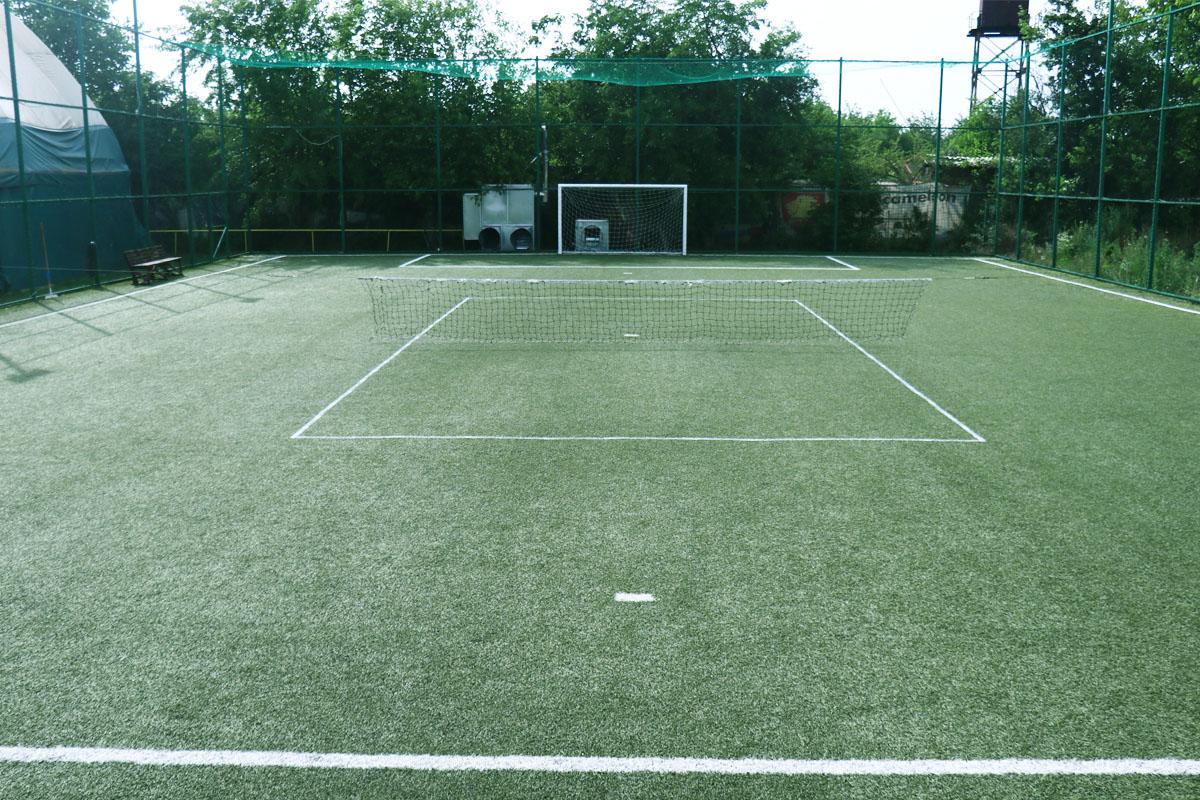 Tenis descoperit 02