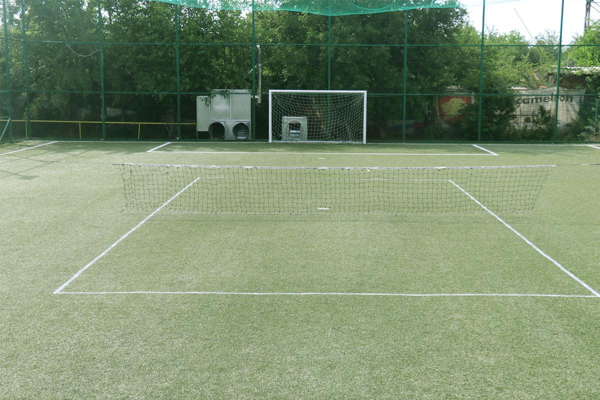 Tenis descoperit 03